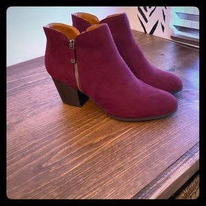 Women's suede ankle booties size 11